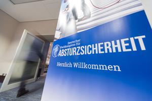 """Der <span class=""""bildunterschrift_hervorgehoben"""">1. Deutsche Fachkongress für Absturzsicherheit </span>fand vom 09. bis 10. November 2016 in Frankfurt statt.<br />"""