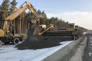 Der Neubau der BAB 14 zwischen Groß Warnow und Grabow nähert sich der Zielgeraden: Strabag hat mit dem Betondeckenbau begonnen.<br />