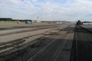 Die Oberfläche ist sauber gefräst und erfüllt exakt die Vorgaben des Projekteigners Fraport.