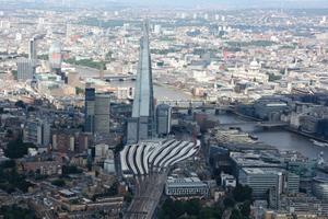 Kern der Thameslink-Initiative ist die Sanierung der London Bridge Station, des größten Bahnhofs im UK. Mit jährlich 56 Mio. Fahrgästen besitzt er das vierthöchste Fahrgastaufkommen des Landes.