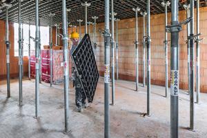 Höchste Mobilität: Schalen wird in Zukunft leichter – auch bei schwierigen Baustellenzugängen, beengten Arbeitsflächen oder straffen Terminplänen.