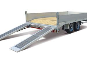 Funktionalität und unterschiedlichste Einsatzmöglichkeiten sind das A und O für die großen Baumaschinentransporter wie den Material- und Baumaschinentransporter HBT 105224 BS.