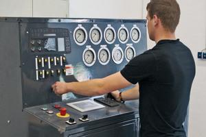 """Garantierte Qualität: Das neue Bell-""""Reman-Center"""" mit umfassenden Antriebstesteinrichtungen bietet Kunden wirtschaftliche Austausch-Lösungen für alle in Bell-Muldenkippern eingesetzten Getriebekomponenten."""