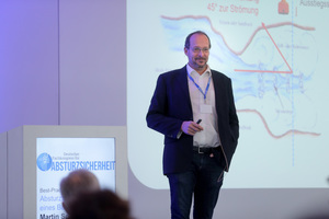 Ing. Martin Sonnberger, beim österreichsichen Bauunternehmen Porr für die Sicherheit zuständig, erläuterte verschiedene unternehmenseigene Sicherheitskonzepte.