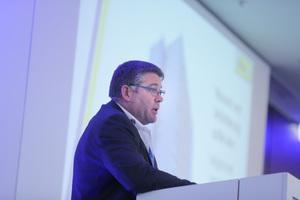 Karl-Josef Simon, Geschäftsführer von Sifatec, setzt sich mit seiner Arbeit und seinen Produkten seit Jahren für eine höhere Absturzsicherheit ein.<br />