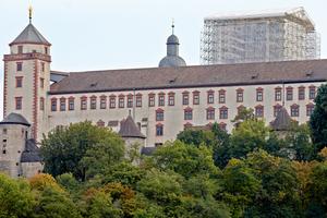 Die im Jahre 706 geweihte Marienkirche ist Kern der Festung Marienberg in Wurzburg ist eine der ältesten Kirchenbauten Frankens.