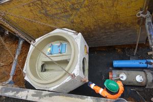 Die hohe Maßgenauigkeit des Schachtes sorgt dafür, dass der Anschluss an das Fabekun-Rohr DN 300 sowie an das PP-Rohr DN 200 - 250 für das Regenwasser problemlos möglich ist.