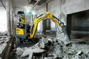 Der EZ17e von Wacker Neuson eignet sich besonders für Umgebungen, in denen Abgase und Lärm vermieden werden sollen, beispielsweise in Innenstädten, bei Arbeiten in Gebäuden oder in der Nähe von Schulen und Krankenhäusern.<br />