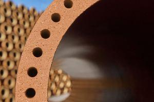 Der Einbau von Hohlkammern in der Rohrwand verändert nicht nur die gesamte Geometrie, sondern ermöglicht zusätzlich den Einsatz hochfunktionaler Tone.<br />