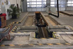 Die acht Meter langen Fahrspuren für Lkw erhielten ein sicheres Fundament mit Rapid Set Concrete Mix, das in einer Stärke von 33 bis 38 cm aufgetragen wurde.