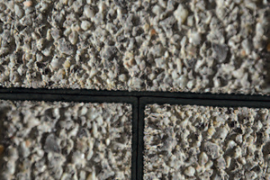 Lupenrein: Gemäß der DIN EN 1338 ergeben sich bei dem Steinsystem Combiconnect stets normgerechte Fugenbreiten von 4 mm.