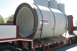 Insgesamt 573 Betonteile mussten per Lastzug zur Baustelle transportiert werden.