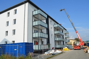 Vollständig aus Aluminiumprofilen bestehend, lassen sich die Balkone schnell und unkompliziert montieren.