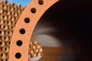 Durch den Einsatz von Hohlkammern gelang es, Steinzeugrohre für noch höhere Traglasten herzustellen.