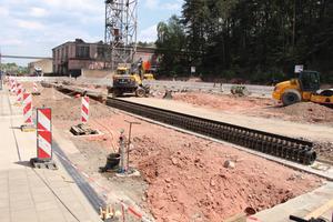 Einbau der neuen Retentionsrinne auf dem Gelände der Aco Guss GmbH in Kaiserslautern.