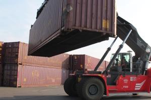 Der Oberflächenbelag am Container-Terminal in Mailand muss ein Höchstmaß an Sicherheit gewährleisten.<br />