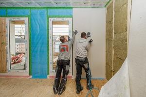 Tragende Innenwände werden mit einer beidseitigen Beplankung aus 2 x 15mm Gipsfaserplatten ausgeführt.