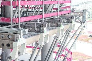 Die Haltearme für den Safescreen Windschild wurden auf Konsolen aus MK2-Trägern montiert.
