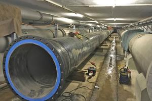 Im Bauabschnitt befinden sich zwei Straßenquerungen: Neben der B 486, die mittels Durchpressung DN 1400 unterquert wird, ist dies die Unterquerung der A 67 in Form des vorhandenen Tunnelbauwerks. Hier wird zur Entlastung der vorhandenen Bestandsleitung die Stahlleitung DN 1000 mit Zementmörtelauskleidung und PE-Außenbeschichtung eingebaut.