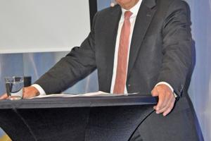 """Prof. Dr.-Ing. Josef Zimmermann: """"Noch nie waren so viele Unternehmen in der Finalrunde, noch nie war die Entscheidung so knapp."""""""