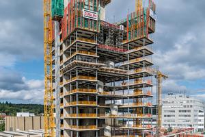 Die 74 m hohe Bitzer-Unternehmenszentrale in Sindelfingen wurde auf Basis einer projektspezifisch erarbeiteten Peri-Schalungs- und Gerüstlösung in einjähriger Rohbauzeit errichtet.
