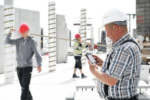 Einfache Eingabe von Arbeitszeiten und Baustellendaten vor Ort.