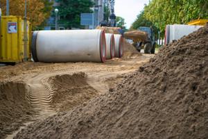 Max Kroker Bauunternehmung GmbH & Co. aus Braunschweig verantwortete den Rohrvortrieb in sechs Meter Tiefe.