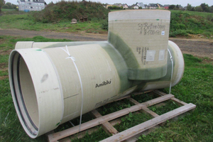 Auf einer Länge von rund 1.200 Metern kamen Amiblu Flowtite GFK-Rohre DN 1000 sowie GFK-Schachtbauwerke zum Einsatz.