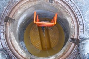 Der Einbau rund 500 neuer Steigbügel gewährleistet zukünftig die sichere Begehbarkeit der Abwasserschächte im Zuge von Wartungs-, Kontroll- und Reinigungsarbeiten.