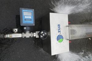 Bei dem Hochdruckspülversuch war die konstante Einhaltung eines Durchflusses von 280 bis 285 Liter pro Minute (l/min) erforderlich. Dieser Parameter wurde unmittelbar vor dem Versuch über eine Messeinrichtung kontrolliert.