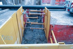 Das strebenfreie Verbausystem ist vor Ort flexibel einsetzbar und eignet sich, um Richtungsänderungen im verbauten Rohrgraben bis zu 90 Grad herzustellen.