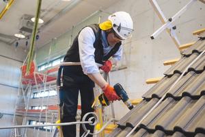 Die aktuelle TRBS 2121 konkretisiert die Betriebssicherheitsverordnung und nennt Beispiele für Maßnahmen zum Schutz der Beschäftigten.