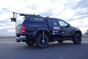 Der 3D-Hochleistungsscanner RD-M1 von Topcon erfasst die Topografie der Strecke detailgenau und bei bis zu 80 Stundekilometer.