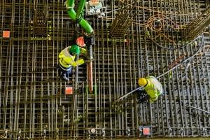 Für die Bodenplatte wurden 8.000 m³ Beton der Festigkeitsklasse C 30/37 benötigt.