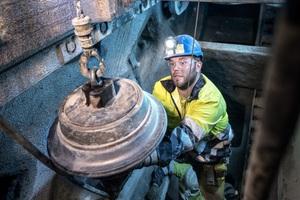 Regelmäßige Wartung und Instandsetzung der Maschinen und deren Komponenten sind Grundvoraussetzung für konstant hohe Vortriebsleistungen im anspruchsvollen norwegischen Hartgestein.