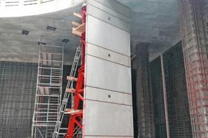 Im dritten Untergeschoss wurden die Außenwände unter der Sprießdecke mit verfahrbaren Stützböcken STB 450 geschalt.