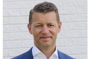 """<h2><span class=""""info_link"""">""""Die Vorstellung unserer ersten kommerziellen Elektromaschinen markiert einen wichtigen Meilenstein auf dem Weg von Volvo CE in eine nachhaltigere Zukunft""""</span></h2><h2></h2><h2><irfontsize style=""""font-size: 8.000000pt;"""">Melker Jernberg, Präsident von Volvo CE</irfontsize></h2>"""