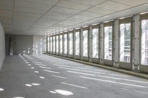 Die tragenden Fassadenelemente ermöglichen stützenfreie Räume.
