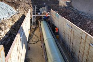 Freigelegter Rohrstrang der Trinkwasserleitung in Aalen.