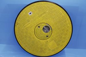 Die KHK-Kunststoffhandel Cromm & Seiter GmbH bietet individuelle Schachtabdeckungen an. So stellen beispielsweise auch farbige Sonderlösungen mit integrierten Innendeckeln kein Problem dar.