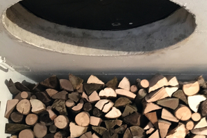 Als verkürzten Zugang zum eigenen Holzkeller nutzte Oliver Geigle eine Schachtabdeckung in seiner Garage. Doch mit einem Wasserstau im Herbst 2017 kamen die Probleme: Denn der Deckel aus Gusseisen war korrodiert, undicht und der Keller somit nicht mehr geschützt.