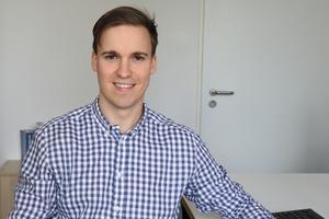 Firmengründer Lukas Hamelmann machte nach dem Abitur eine Ausbildung zum Straßenbauer und hat einen Masterabschluss in Bauingenieurwesen.