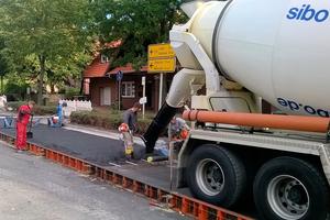 Das Betonwerk Ankum der SIBO-Gruppe lieferte 230 m³ gefärbten, anthrazitfarbenen Beto.