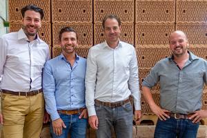 Gehen als renommierte Ziegel-Mittelständler in eine strategische Partnerschaft (v. l.): Matthias Hörl, Tristan Klein, Michael Hörl sowie Kai Rudhof.