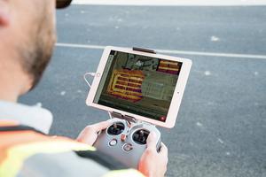 Im Rahmen von Bauarbeiten können Drohnen wichtige Daten erheben, die mit entsprechender Software direkt weiterverarbeitet werden.