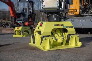 Die Anbauverdichter APA 75/74 und APA 100/88 bietet Hersteller Ammann nun auch mit dem Verdichtungskontrollsystem ACE.<br />