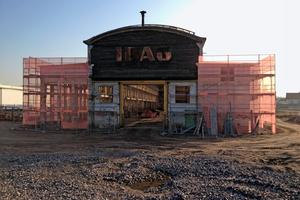 Die IBAU-Halle wurde bereits 1911 in StahlbetonBauweise errichtet und 1945 bei einen Bombenangriff schwer beschädigt.