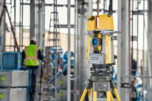 GTL-1000: Einmal eingerichtet erfasst die Scan-Robotik-Totalstation selbstständig den Ist-Zustand des Gebäudes und erstellt eine Punktwolke.