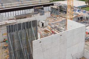Für den Bau der enorm hohen Wände griff das ausführende Unternehmen auf NOE-Schalsysteme zurück.