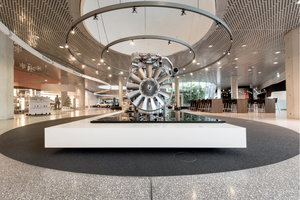 Die Kombination aus Design und Funktionalität ist eine markante Eigenschaft aller Terrazzo-Böden der Leonhard Weiss Fußbodentechnik, auch des hier verwendeten LW Museums-Terrazzo.
